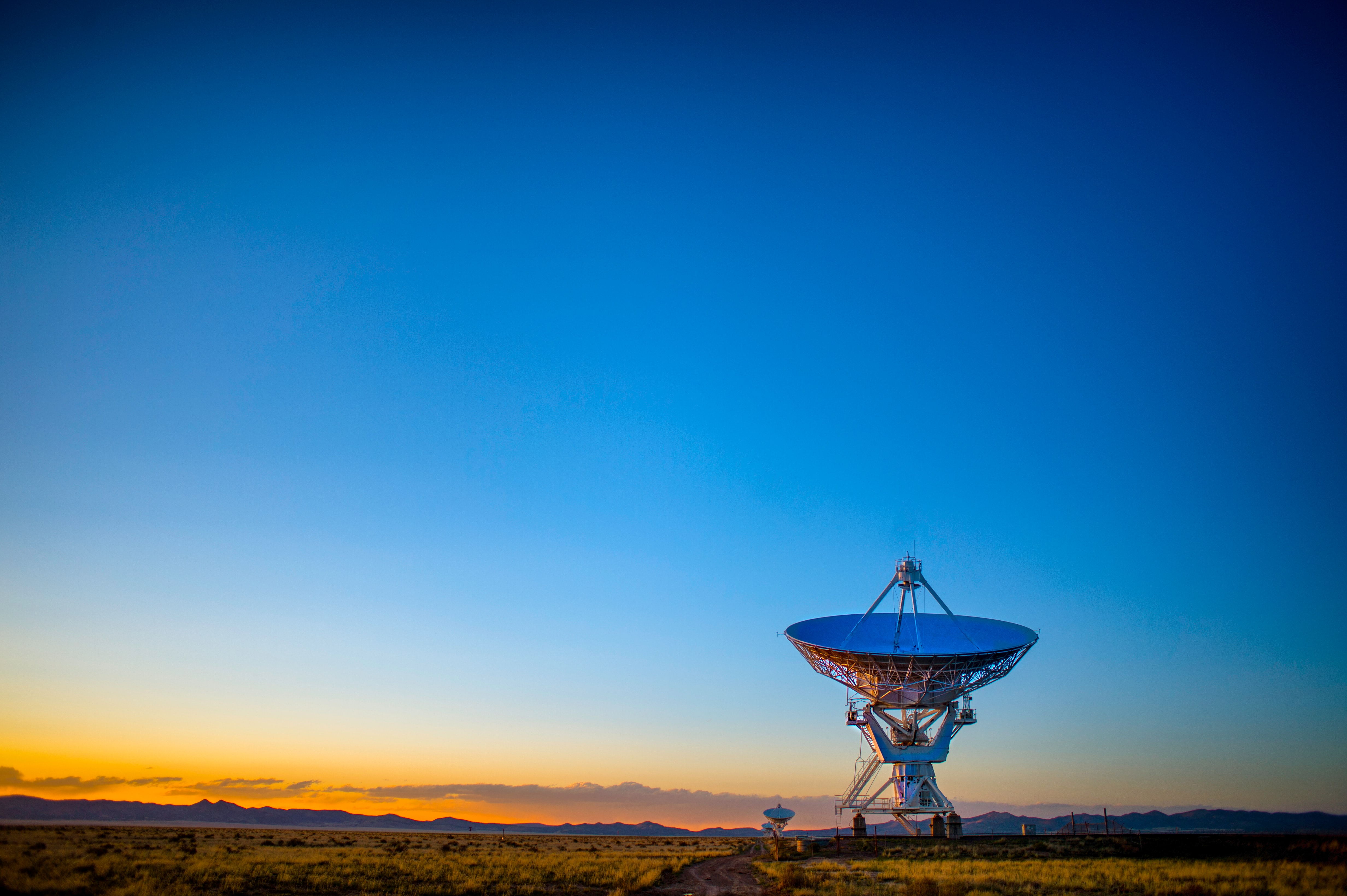 SCT, Dunes Middle East sign MoU to provide satellite, VSAT services