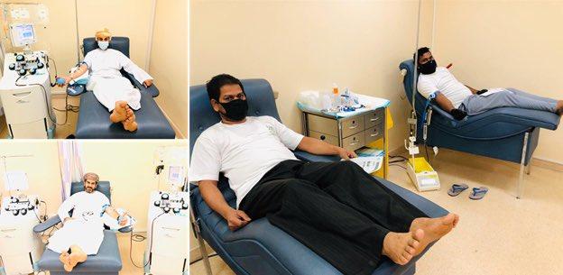 موظفو و عمال بلدية مسقط المتعافين من فيروس كورونا يتبرعون بالدم