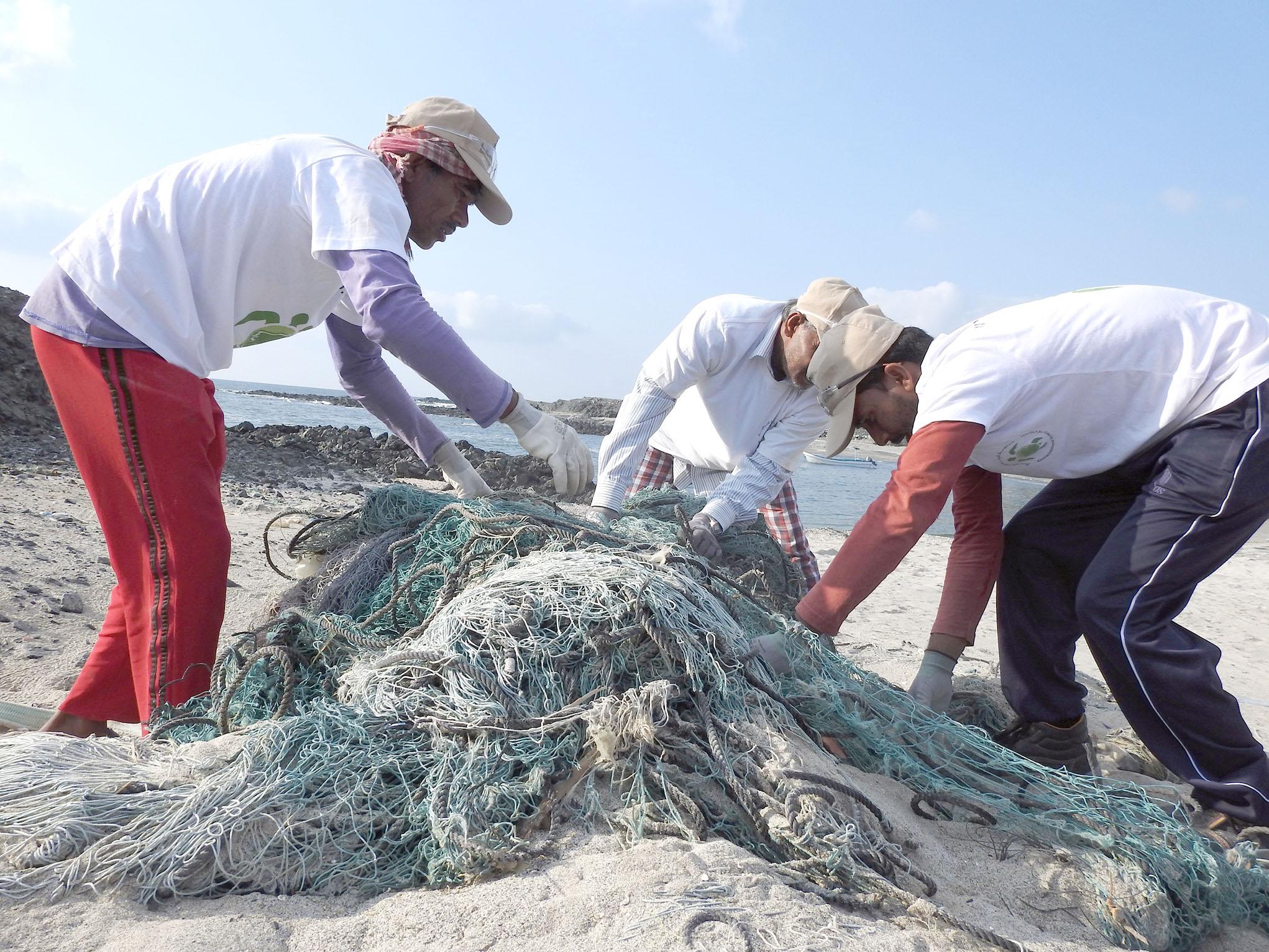 البيئة العمانية تفوز بالمنحة الصيفية لإستدامة السلاحف البحرية