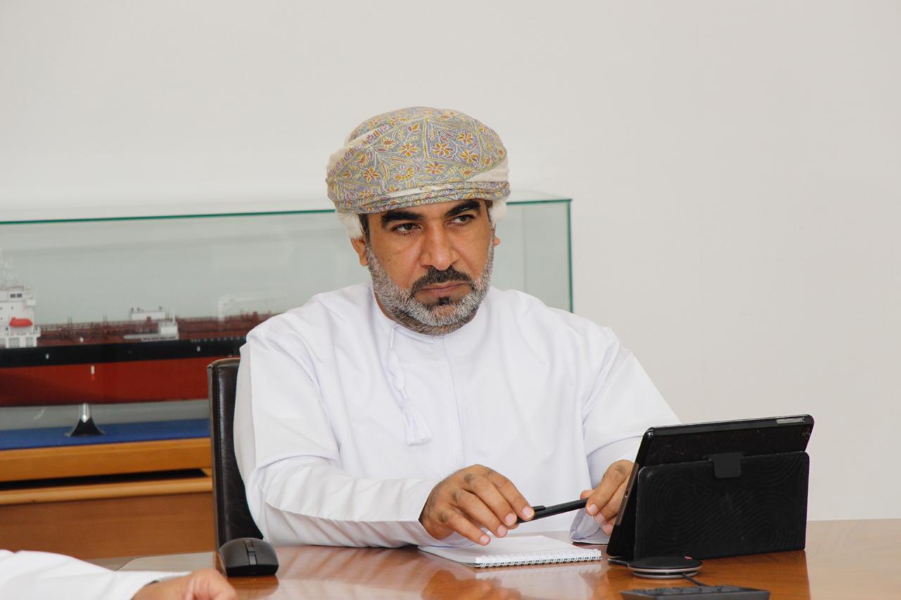 وزير النقل: إعادة ربط السلطنة بالعالم جوًا وبحرًا يتطلب مضاعفة جهود خطة النقل 2020