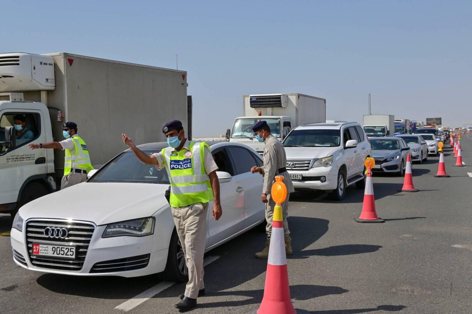 أبوظبي تمدد حظر التنقل من وإلى الإمارة وبين مدنها الكبرى لمدة أسبوع
