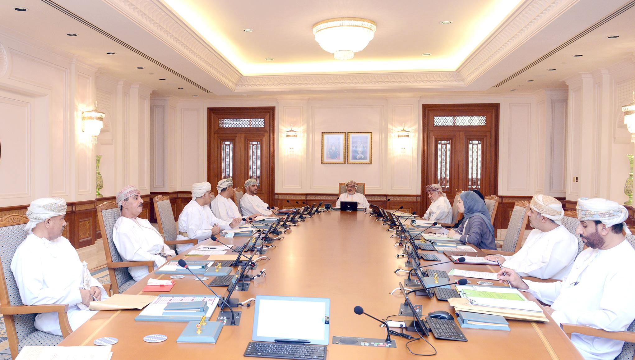مجلس الدولة يناقش تأثير الجائحة على الاقتصاد العماني