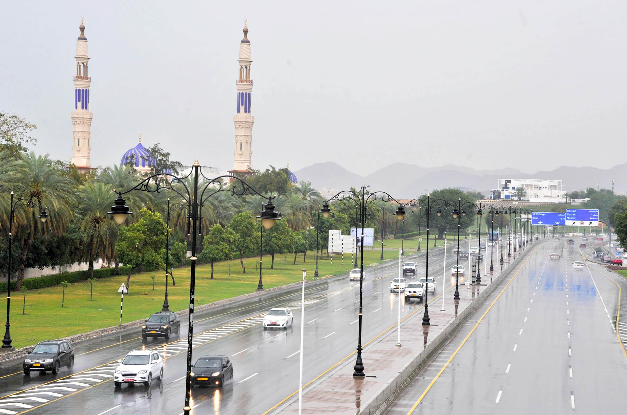 4 مؤسسات عمانية ضمن أقوى 100 شركة في الشرق الأوسط