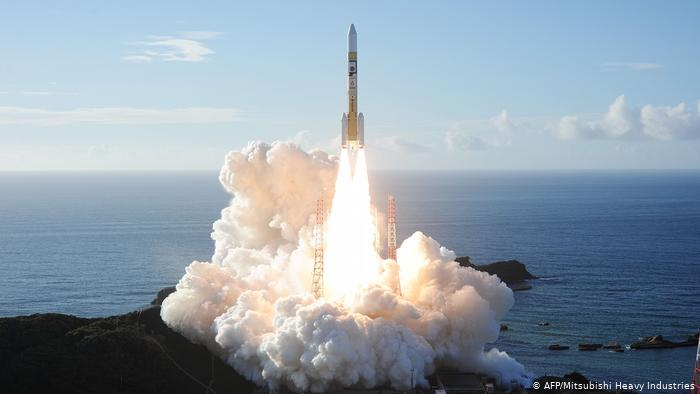 """DW: الإمارات تطلق مسبار """"الأمل"""" في أول رحلة عربية إلى المريخ"""