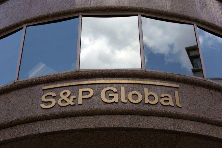 وكالة S&P: ديون الخليج ستزيد 100 بليون دولار هذا العام