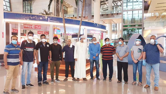 Travel agents open registrations for residents looking to return to Oman