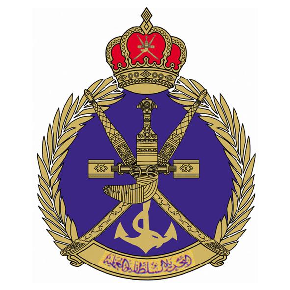 البحرية السلطانية تنفذ عملية إنقاذ لسفينة في بحر العرب
