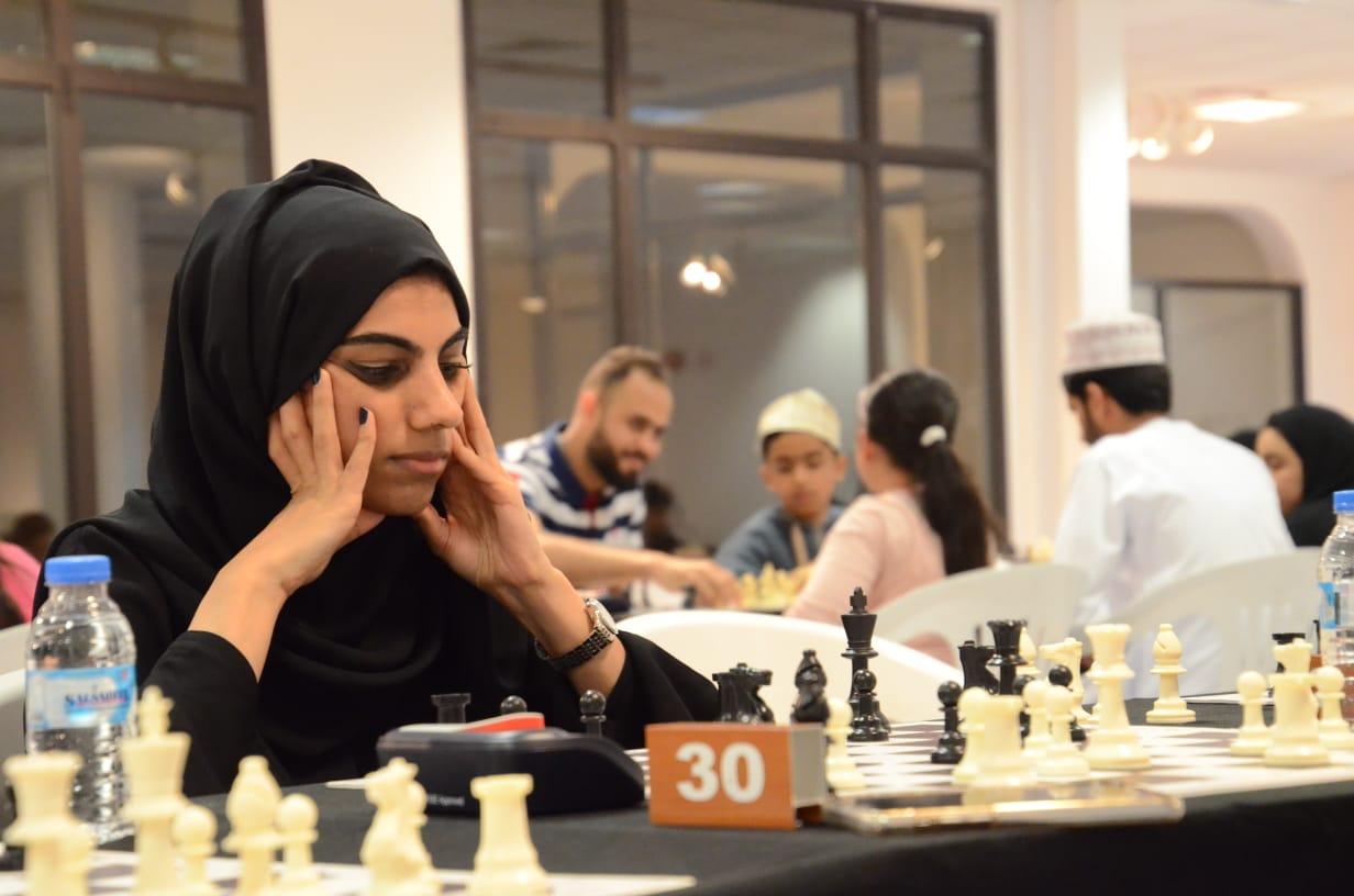 العيسائية بطلة بطولة عمان الفردية للشطرنج للفتيات