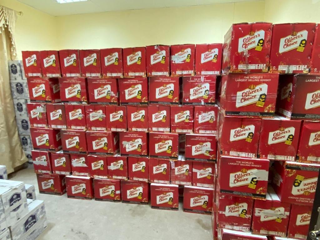 Oman Customs seizes large quantities of alcoholic beverages
