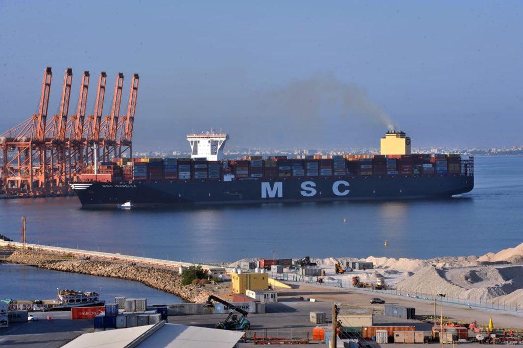 ارتفاع مناولة الحاويات في ميناء صلالة