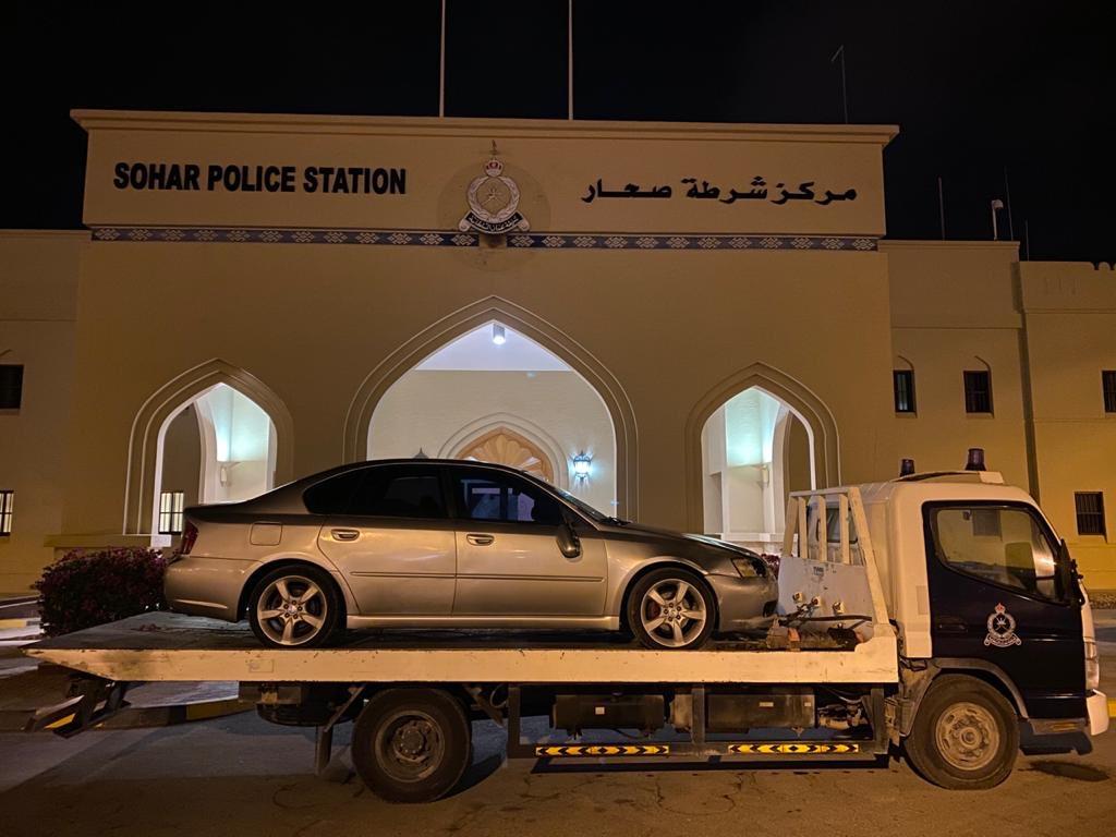 صحار: القبض على سائق دهس شخصين وهرب