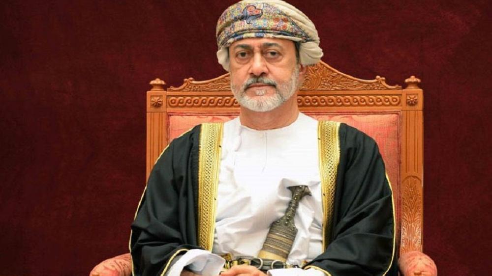 جلالة السلطان يتفضل فيُنعم بوسام الإشادة السلطانية على يوسف بن علوي