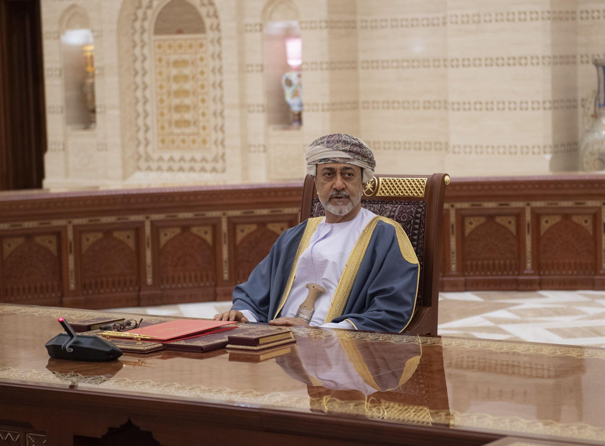 بالفيديو جلالة السلطان المعظم يترأس اجتماع مجلس الوزراء