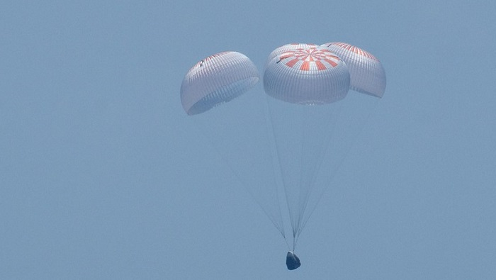 SpaceX Crew Dragon returns NASA astronauts to Earth after historic mission
