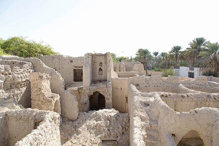 Exploring the ancient villages of Manah