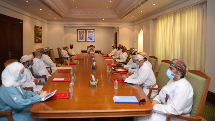 Muscat Governor holds meeting