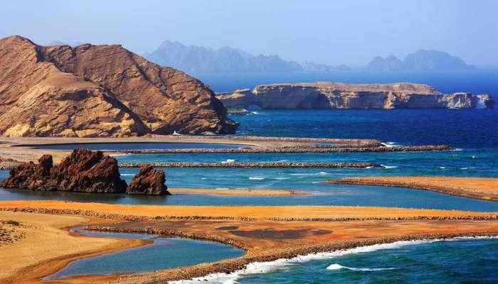 شبكة إيطالية: سواحل السلطنة مقاصد سياحية جذابة وساحرة