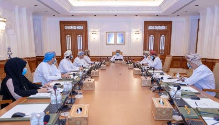 مكتب الشورى يشيد بإعادة تنظيم وهيكلة الجهاز الإداري للدولة