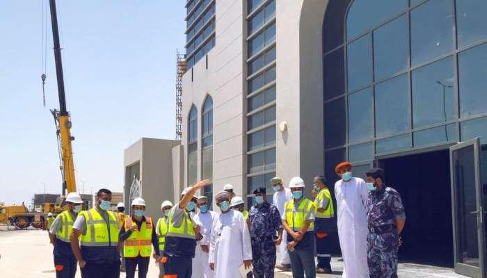 المكلف بتسيير أعمال المنطقة الاقتصادية بالدقم: الأعمال الإنشائية في مبنى الجمارك أوشكت على الانتهاء