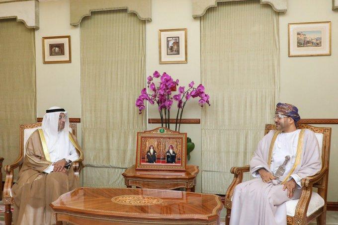 """وزير الخارجية يصف لقائه بأمين عام مجلس التعاون بـ """"الأخوي"""""""