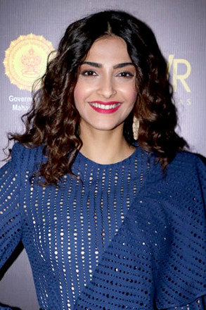 Sonam Kapoor says she wants to be Jaya Bachchan when she 'grows up'