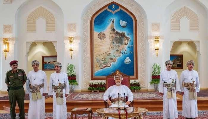 العمانيون يتفاعلون في تويتر: بدأ من ظفار .. لقاء تاريخي بدون حواجز بين السلطان وشعبه