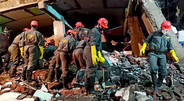 Building collapse in Mumbai kills 10, rescue operation underway