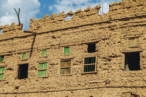 Al Hamra: A well-preserved old town