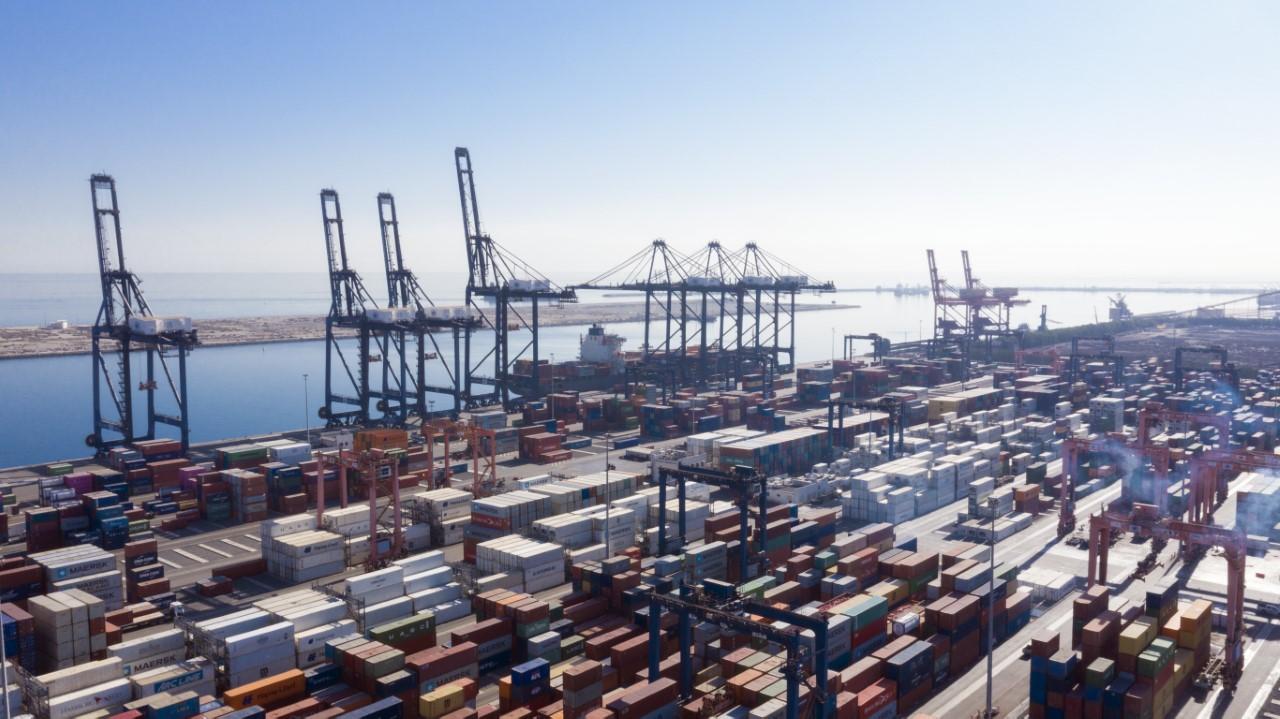 """""""اسياد"""" الـ 55 عالميًا في تصنيف خدمات نقل الحاويات"""