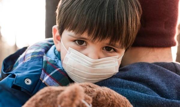 دراسة: علامتان رئيسيتان تدلان على إصابة الطفل بفيروس كورونا
