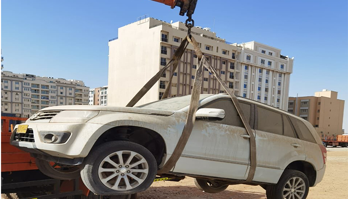 Muscat Municipality continues to remove discarded cars