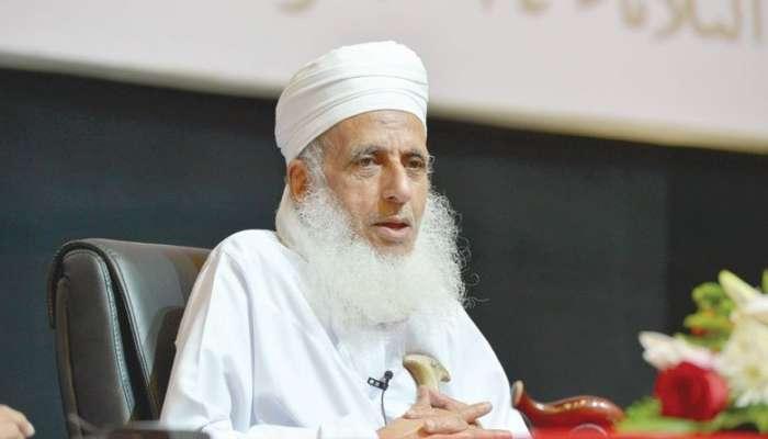 مفتي عام السلطنة: مصائب الأمم منشؤها فساد المترفين