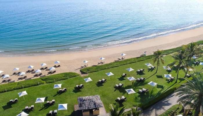 تعميم من وزارة التراث والسياحة بشأن شواطئ الفنادق