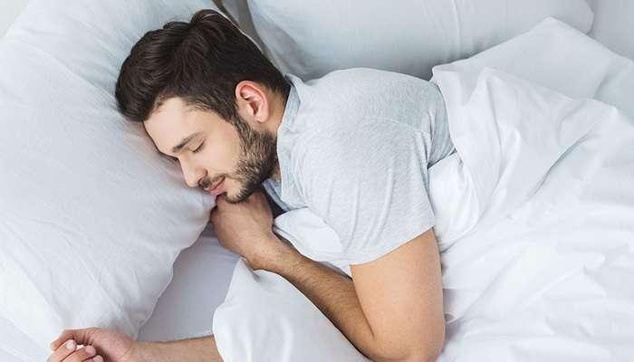 طرق خاطئة للنوم بعد بلوغ الـ 40