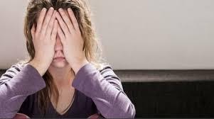 نتائج أولية لدراسة بجامعة السلطان قابوس: النساء أكثر عرضةً للقلق بسبب كورونا