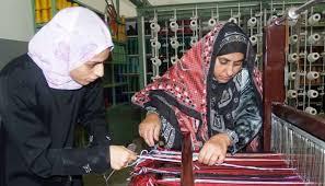 المرأة العمانية تشكل نسبة %49.6 من إجمالي السكان العمانيين