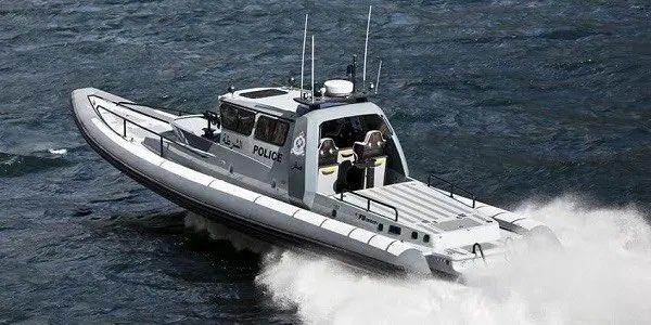 Coast guard boats aid four Yemeni fishermen