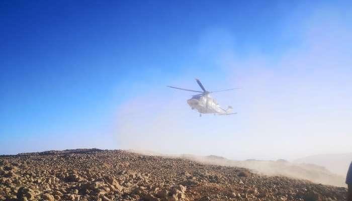 طيران الشرطة ينقذ شخصًا سقط من أعلى جبل