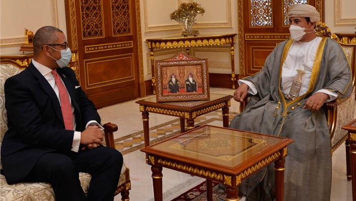 Oman, Britain review bilateral relations