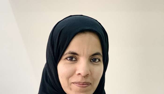 الدكتورة عذاري الزعابية تحصد جائزة المنظمة العالمية لأبحاث الدماغ