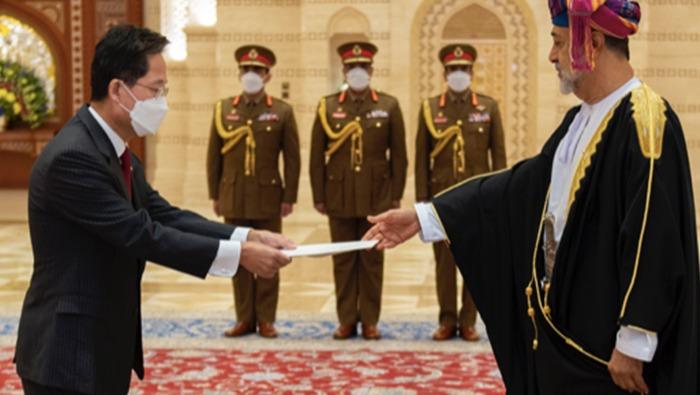 HM The Sultan receives ambassadors' credentials