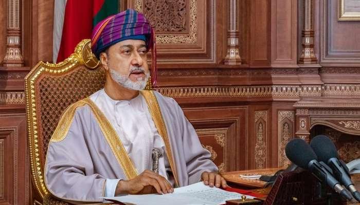 جلالة السلطان يبشر بنمو اقتصادي يلبي طموحات الشعب
