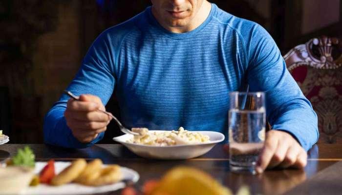 أفضل 5 أطعمة ينصح بتناولها قبل النوم