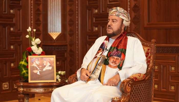 السيد أسعد بن طارق يروي تفاصيل اللقاء الأول بينه وبين السلطان الراحل