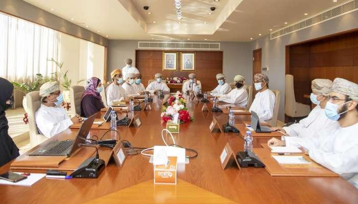 وزارة التعليم العالي وجهاز الاستثمار العماني يناقشان مبادرة إنشاء مجمع الابتكار الغذائي