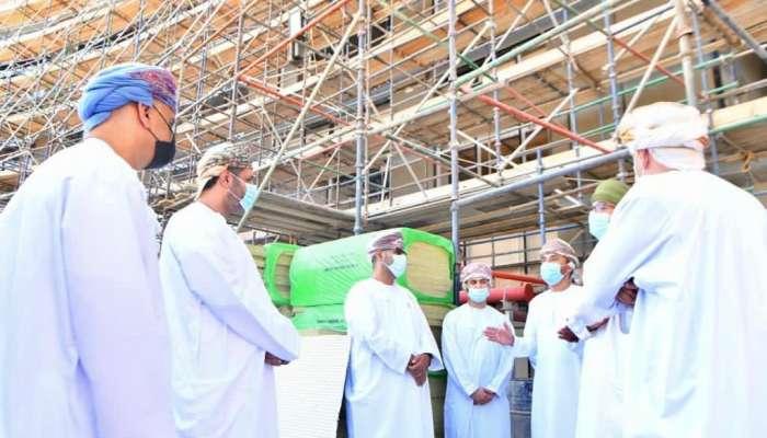 وزير العمل يتفقد آخر تطورات مشروع مبنى معهد الإدارة العامة الجديد
