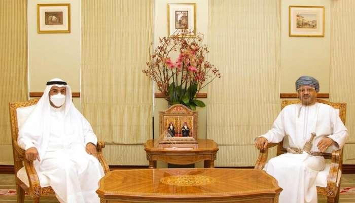 وزير الخارجية يستقبل الأمين العام لمجلس التعاون