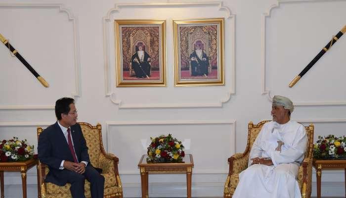 السيد شهاب بن طارق يستقبل سفيري باكستان وكورويا الجنوبية