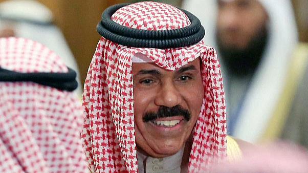 أمير الكويت يُصدر مرسوماً بتشكيل الحكومة الجديدة