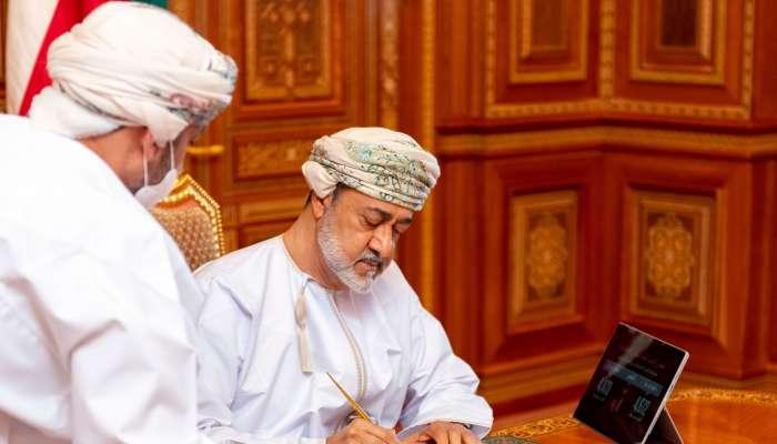 بالصور: جلالة السلطان يعتمد نتائج التعداد الإلكتروني .. وعدد السكان أقل من 4.5 مليون نسمة